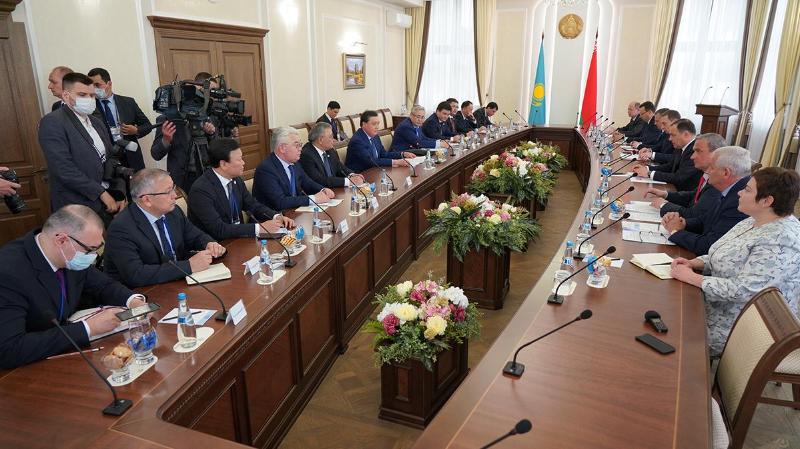 哈萨克斯坦和白俄罗斯政府总理举行会晤