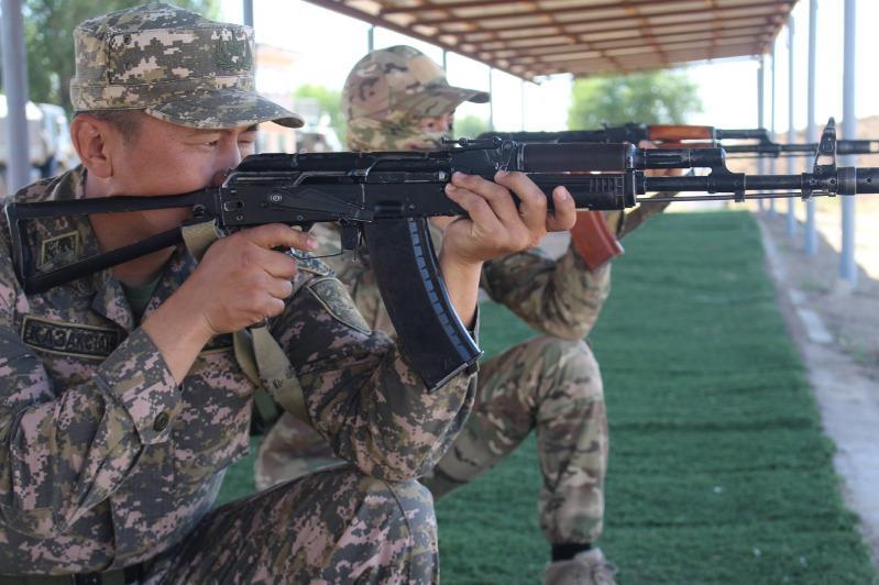 Лучших военных стрелков определили в Вооруженных Силах РК