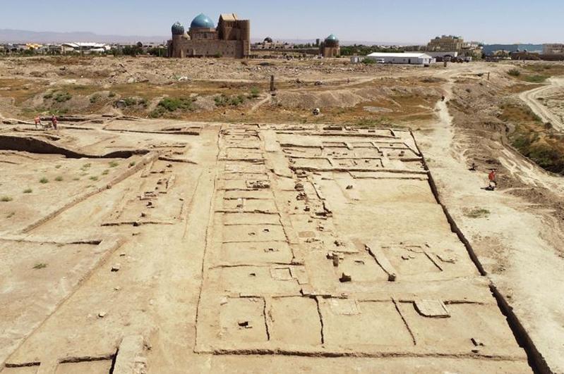 突厥斯坦古城区考古发掘工作又有新发现