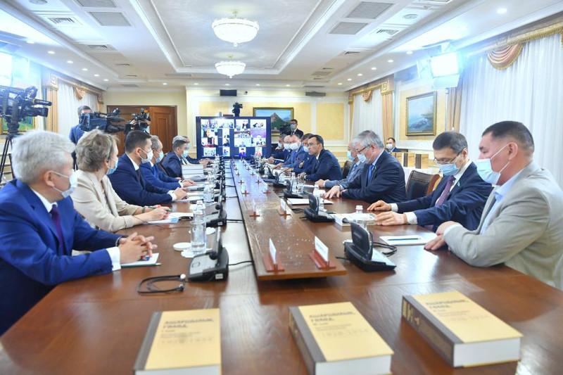 Маулен Ашимбаев: В рамках юбилея Независимости обсуждение темы Ашаршылық обретает особое значение