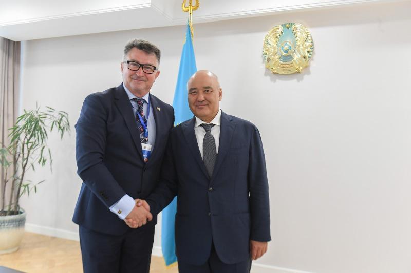 突厥斯坦州长会见克罗地亚驻哈大使