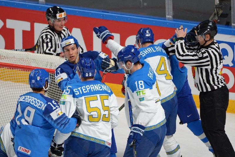 Хоккеисты сборной Казахстана разгромили Италию и вошли в ТОП-10 ассистентов на ЧМ-2021