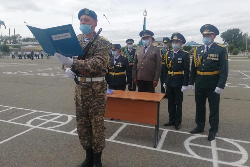 Молодое пополнение Десантно-штурмовых войск приняло присягу