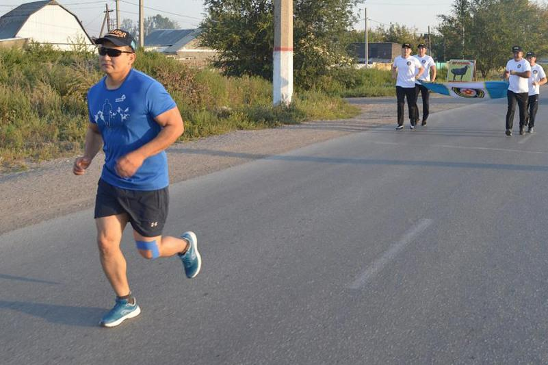 320 км за 45 часов пробежал ультрамарафонец Вооруженных сил РК