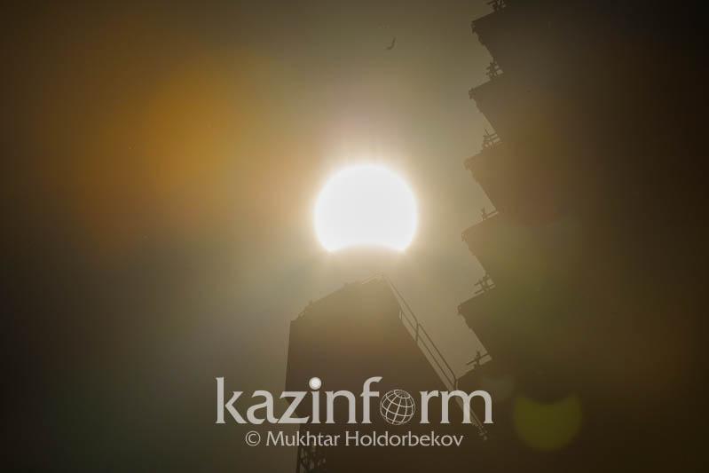 Солнечное затмение увидят казахстанцы 10 июня