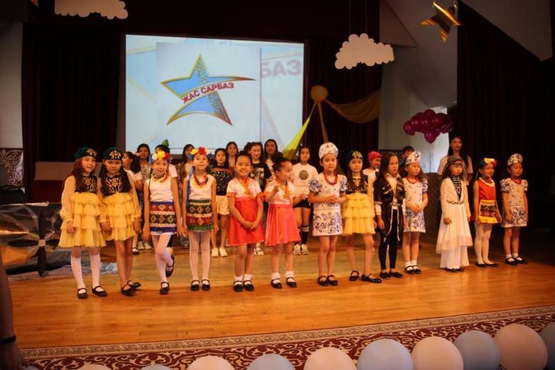 Праздник для детей организовали военнослужащие в Алматы