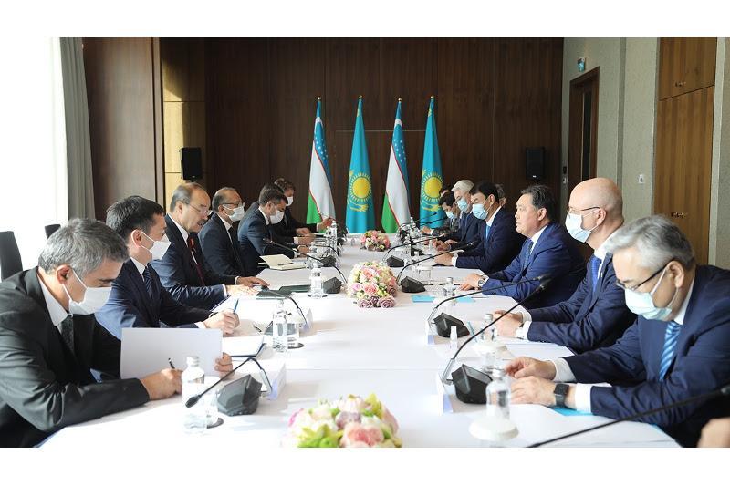 哈乌政府总理举行会晤