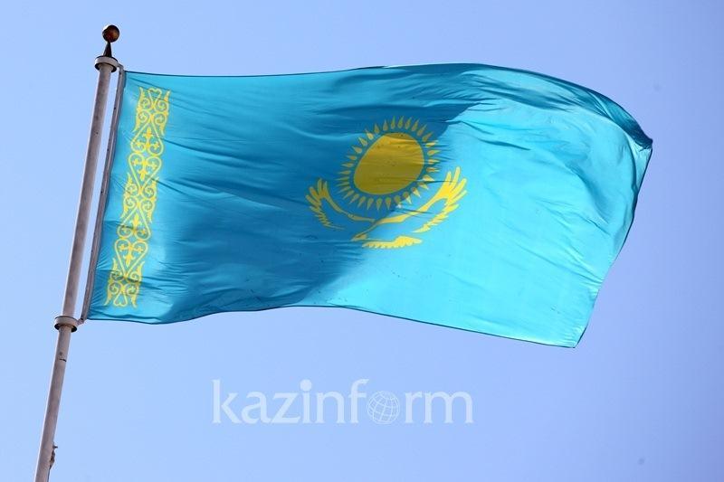 Алматылық волонтерлер мемлекеттік рәміздер күніне флешмоб өткізді