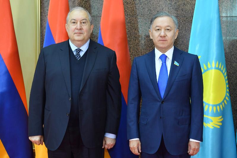 В Мажилисе состоялась встреча Нурлана Нигматулина с Президентом Армении