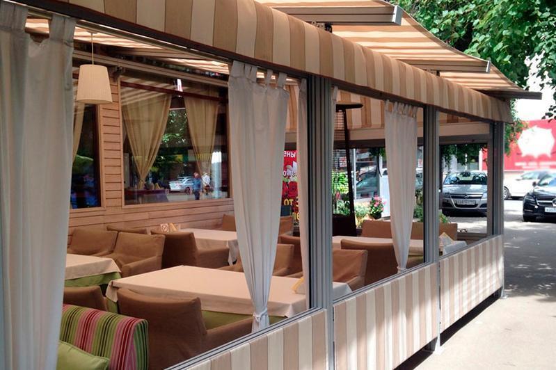 Какие кафе могут работать без ограничения, рассказали в Минздраве