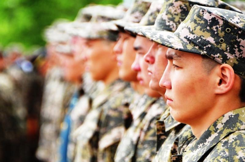 Более ста военнослужащих срочной службы приняли присягу в воинской части войск ПВО