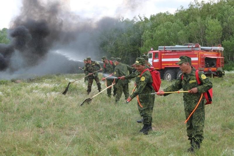 Спасатели Карагандинской области тренировались в тушении природного пожара