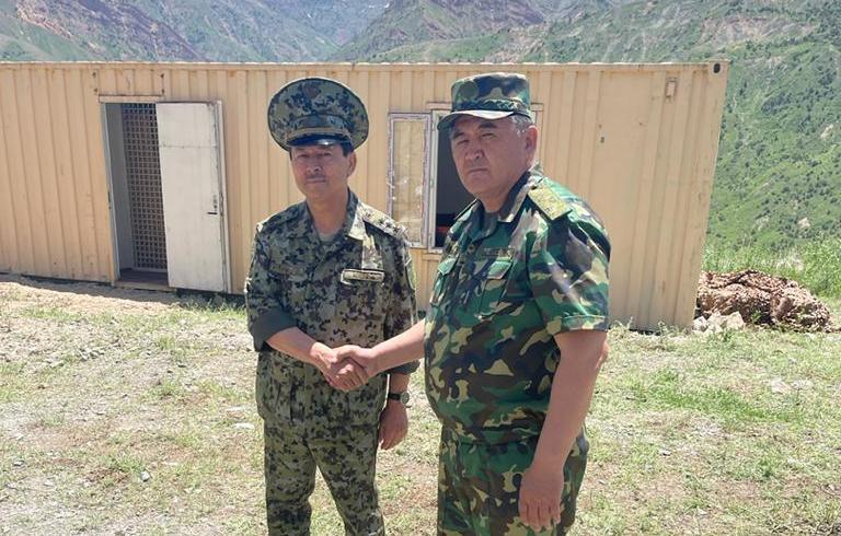 Главы Госкомиссий по границе Кыргызстана и Таджикистана подписали совместный протокол