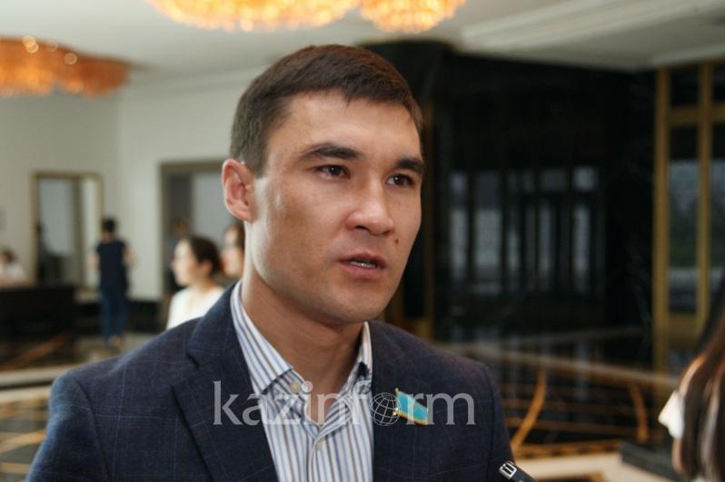 О положительных новостях в казахстанском спорте рассказал Серик Сапиев