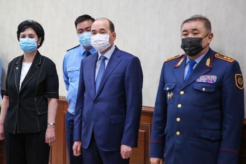 Бас прокурор мен ІІМ басшысы сотқа дейінгі тергеу органдарының өзара іс-қимыл тәртібімен танысты