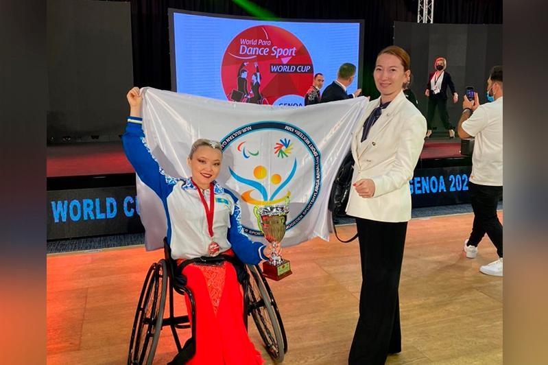 Казахстанка завоевала серебряную медаль на Кубке мира по танцам в Италии