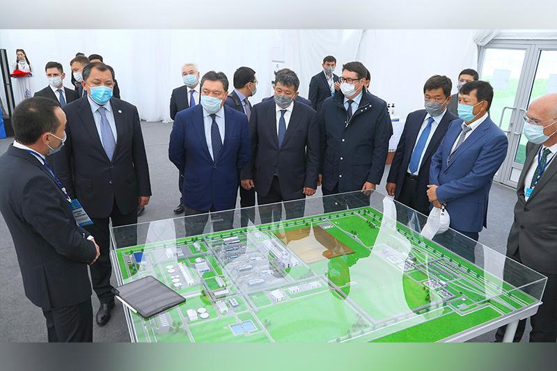 Askar Mamin gives start to gas processing plant construction at Kashgan oilfield
