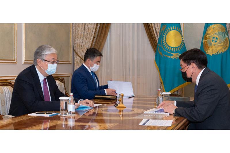 Глава государства принял председателя правления АО НК «КазМунайГаз» Алика Айдарбаева