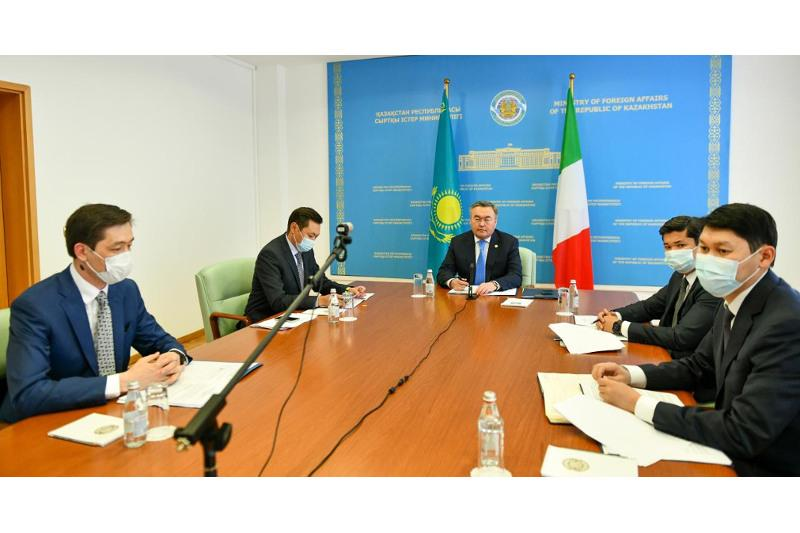 Главы МИД Казахстана и Италии провели переговоры