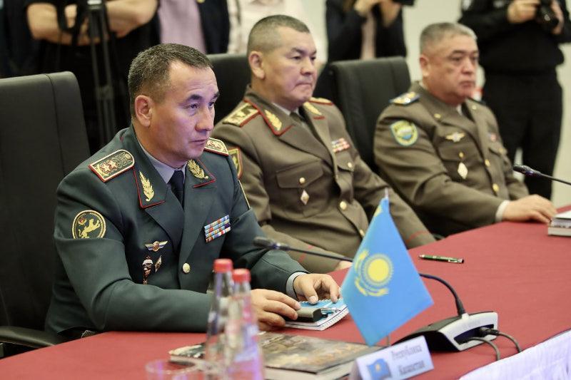 独联体成员国武装力量参谋长委员会会议在圣彼得堡举行
