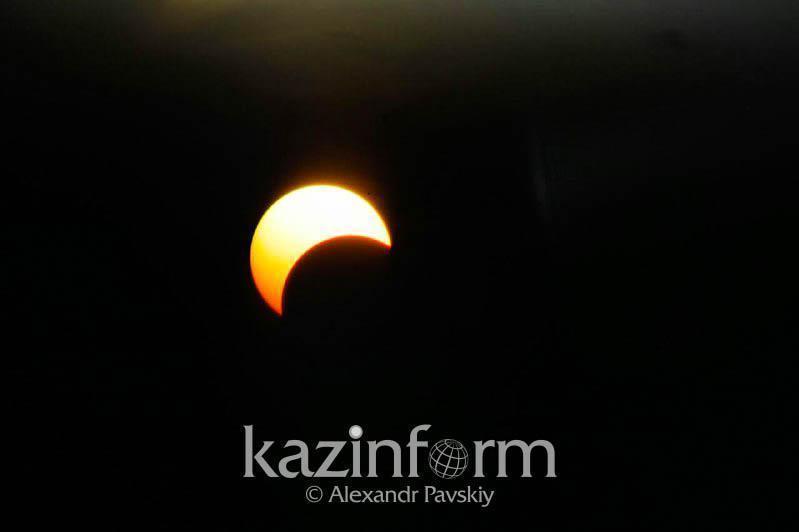 哈萨克斯坦多地今天可观测到日环食天象
