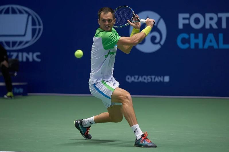 Қазақстандық теннисші Словакиядағы турнирдің ширек финалына шықты