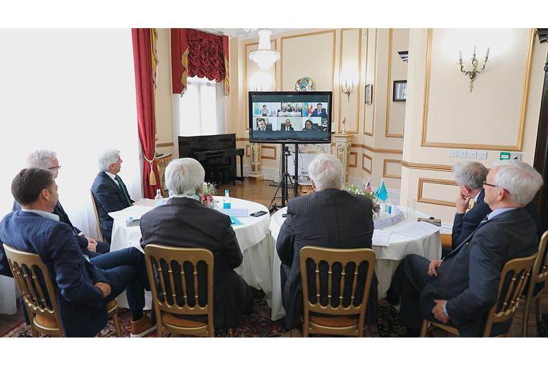 哈英议会间合作小组举行视频会谈