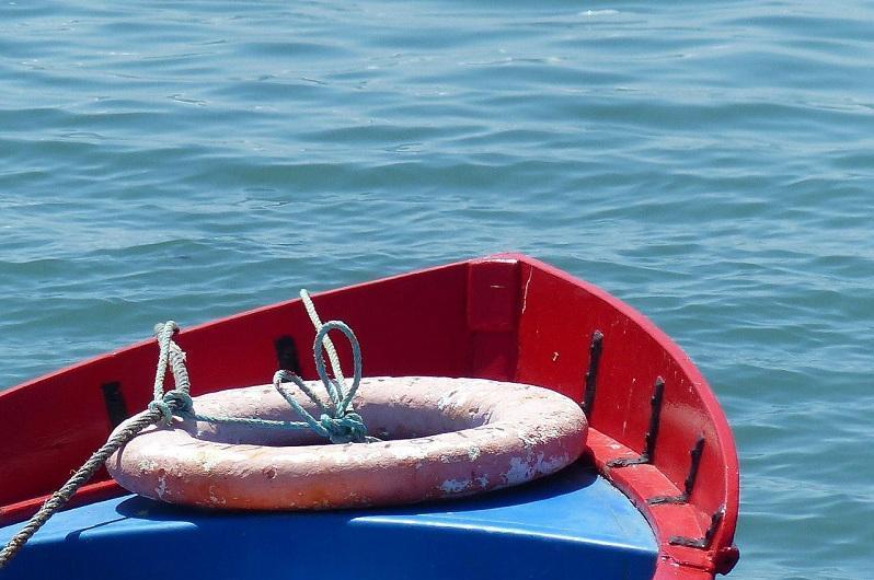 Гибель рыбака предотвратили на озере в СКО