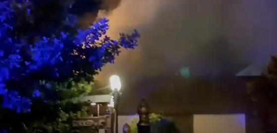 Магазин горел в Алматы - пламя перекинулось на трехэтажное здание
