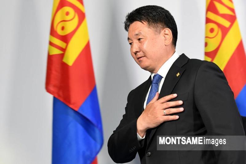 Ухнаагийн Хурэлсух одержал победу на президентских выборах в Монголии
