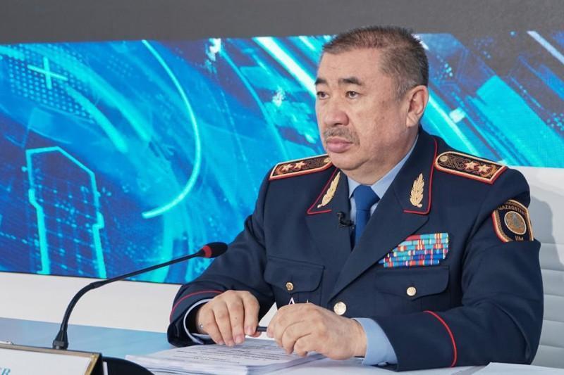 Можно ли в Казахстане сотрудникам полиции предъявлять документы в цифровом формате