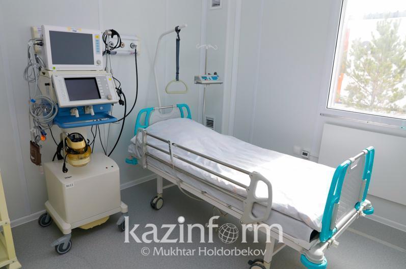 В инфекционных стационарах Алматы находится меньше тысячи человек