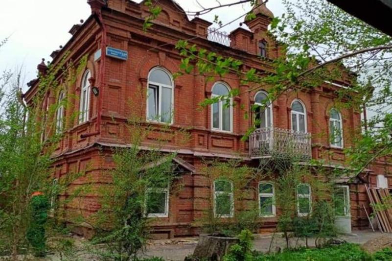 Старинное здание, которое хотели снести, сохранят в Семее