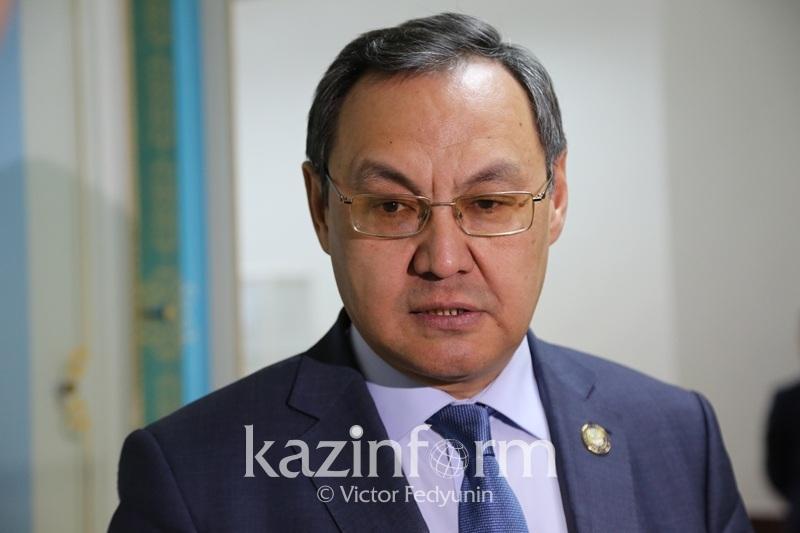 Расширить перечень социально значимых товаров в Казахстане предложил сенатор