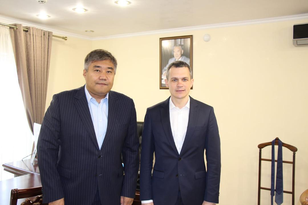 哈萨克斯坦大使会见乌克兰国家监管局局长