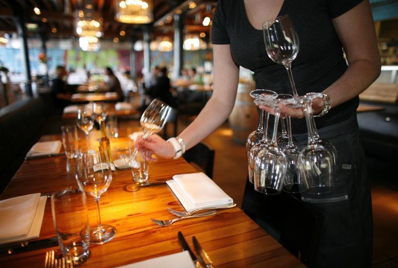 Алматыда карантин шараларын бұзған бірнеше рестобар анықталды