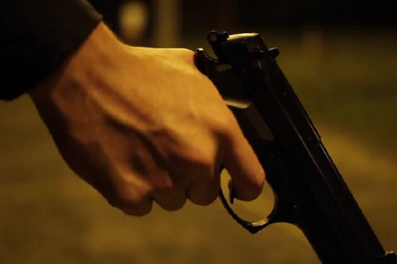 Мужчину с пистолетом задержали в центре Алматы