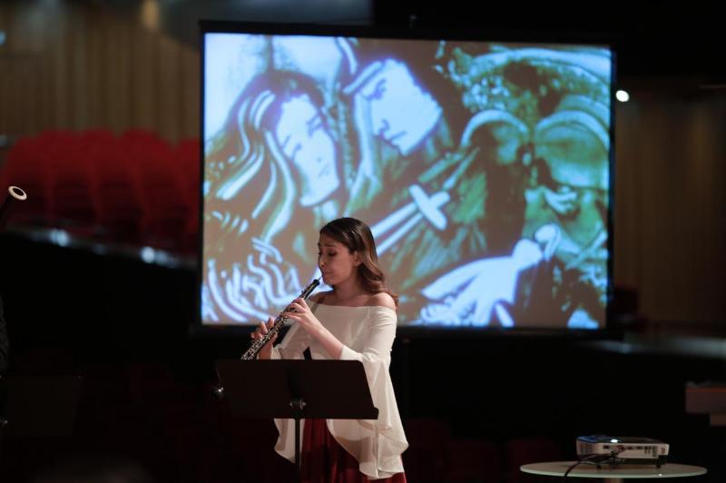«На сцене со звездой»: новый офлайн-концерт прошел в столице