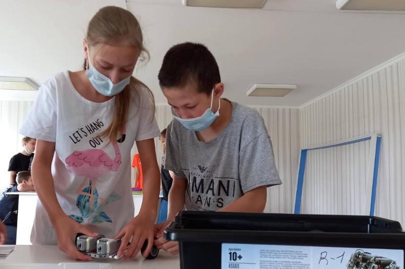 В детском доме Караганды организовали школу робототехники и программирования
