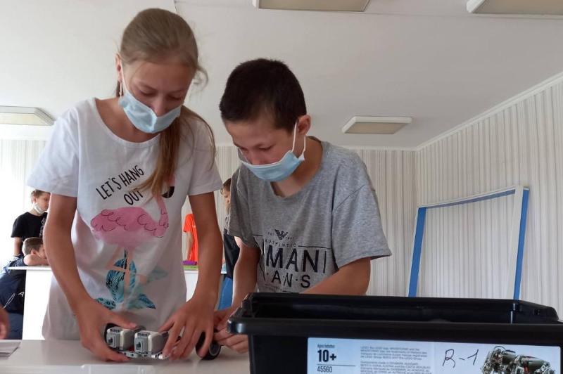 Қарағандыдағы балалар үйінде робототехника және бағдарламалау мектебі ашылды