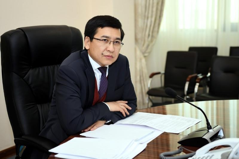 Асхат Аймагамбетов обратился к учителям: Вы стали ярким примером проявления лучших качеств профессии