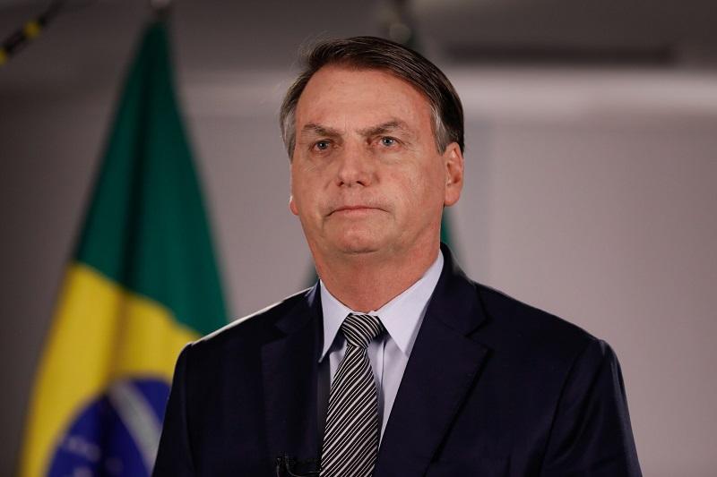 Маска тақпаған Бразилия президенті айыппұл төледі