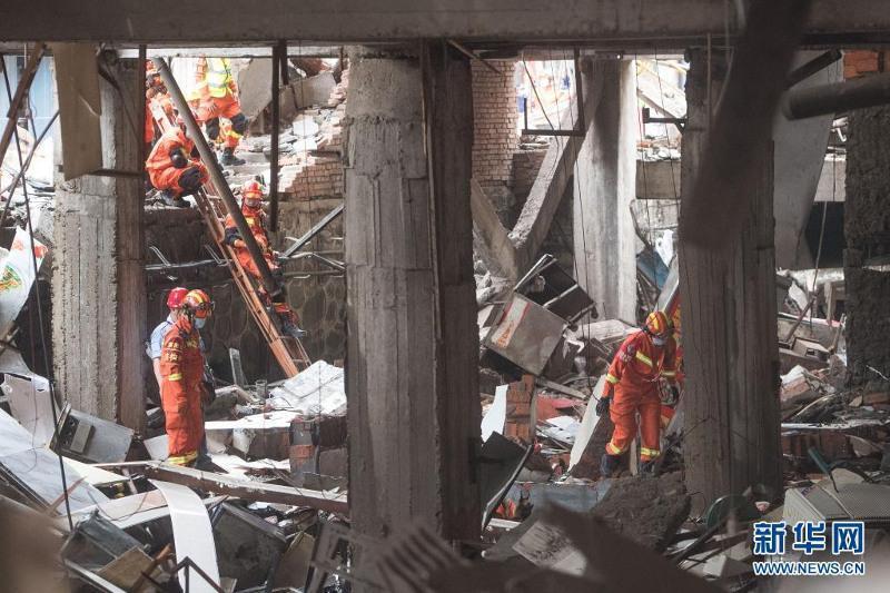中国湖北发生燃气爆炸事故致12人死亡138人受伤