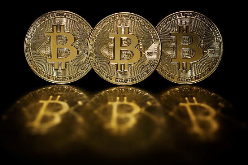Крупнейшая криптовалюта биткоин подорожала более чем на 10%