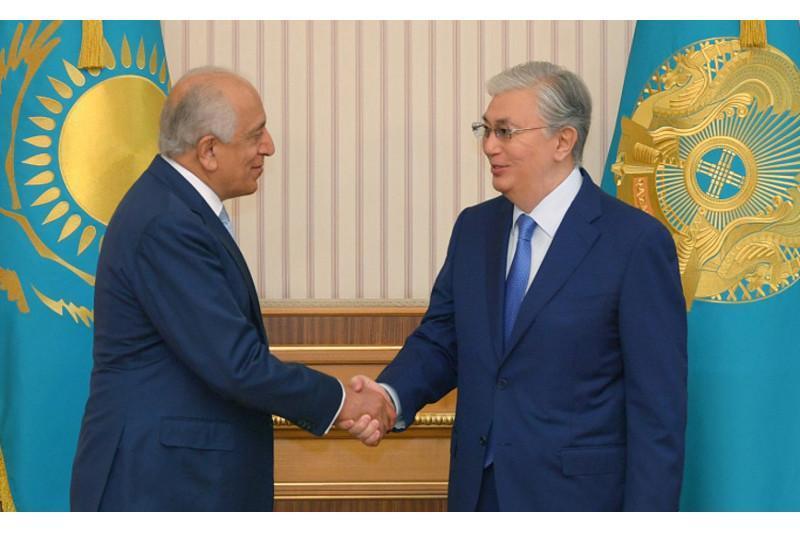 总统会见美国阿富汗和解事务特别代表