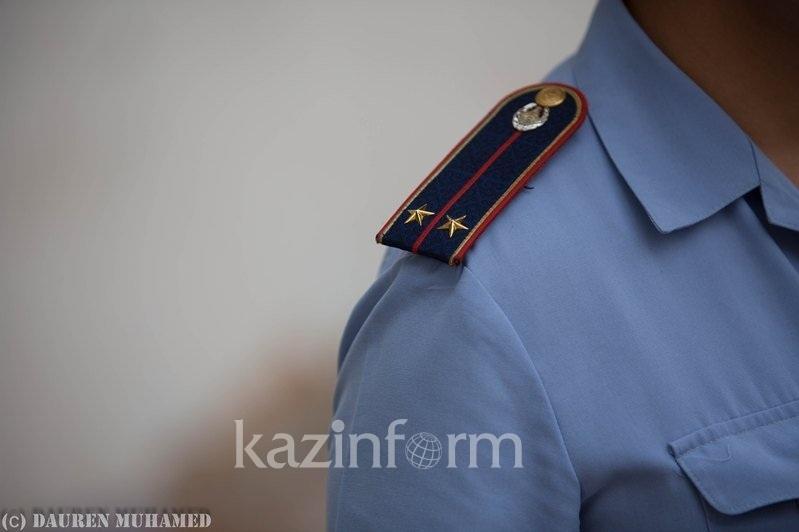 Оралда полиция қызметкері мас күйінде жол апатына ұшырады