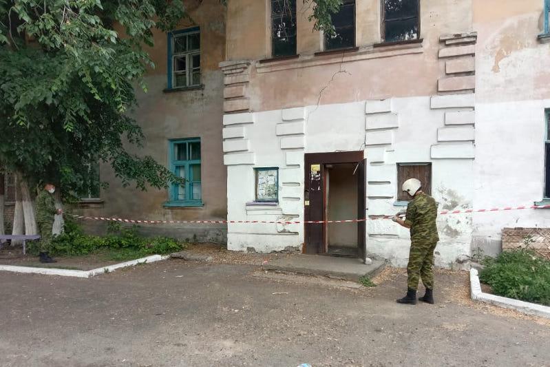 Потолочное перекрытие обрушилось в здании общежития в Усть-Каменогорске
