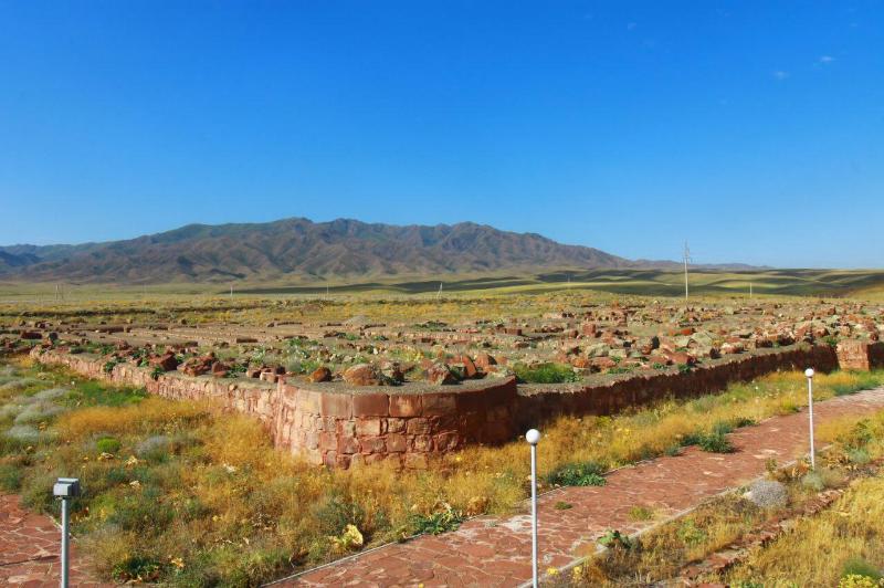 Популярный среди туристов историко-культурный комплекс Акыртас планируют обеспечить водой из родников