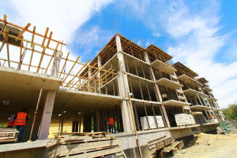 Три многоэтажных дома для работников фармзаводавозводят в посёлке Гвардейский