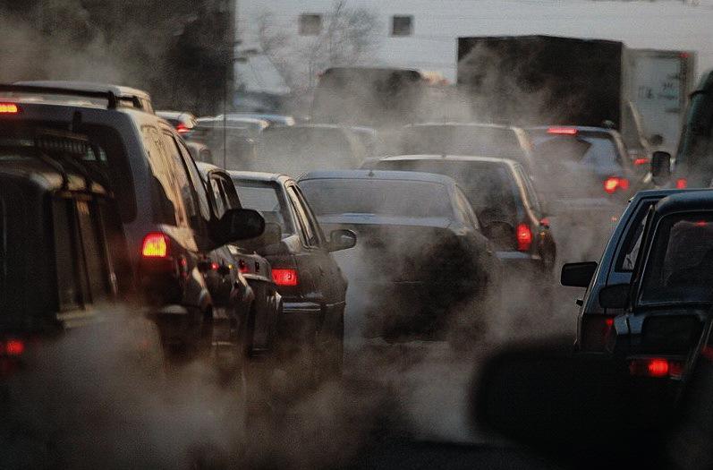 减少汽车尾气污染 总理建议大力推广电动汽车发展